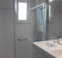 Salle de bains pour personne à mobilité réduite